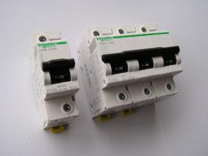 Автоматични-предпазители-Schneider-electric-IC-120N