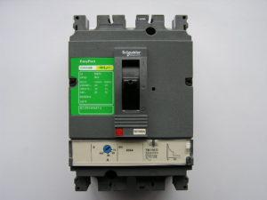 Schneider-compact-CVS-100B