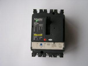 Schneider-compact-NSX-100B